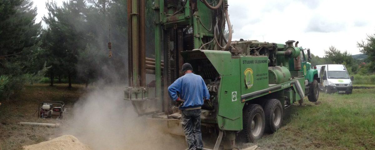 Wiercenie studni głębinowej z firmą Drillpol